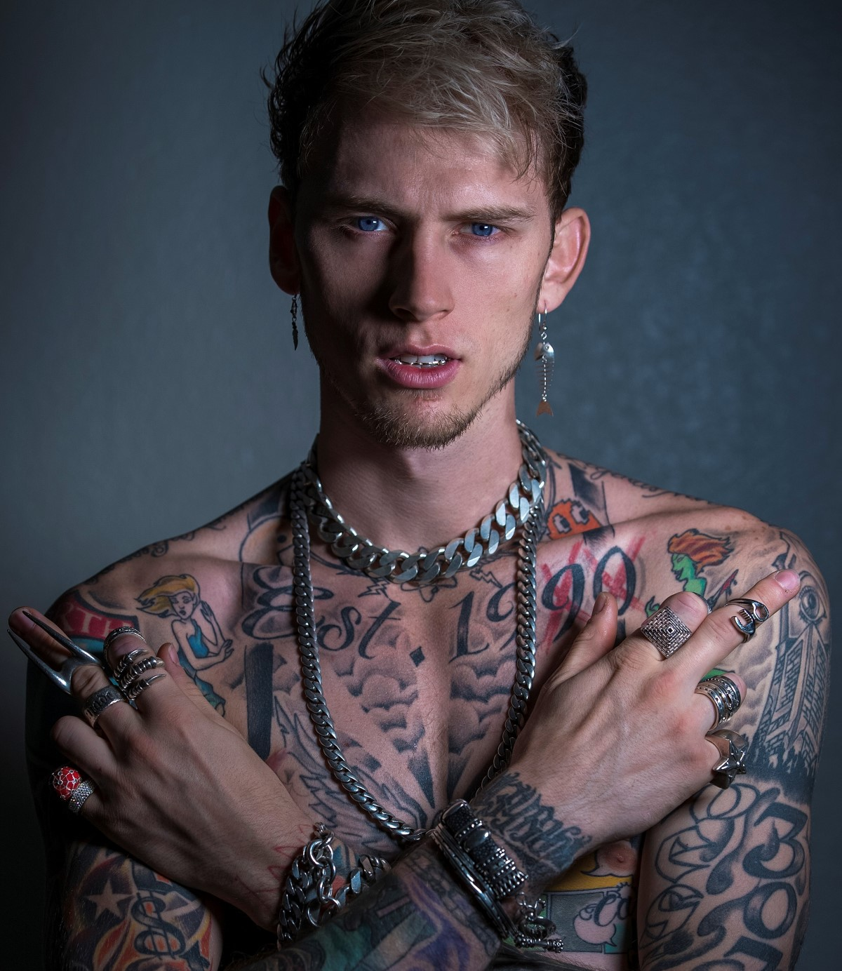 machine gun kelly am in berlin astra kulturhaus trinity music. Black Bedroom Furniture Sets. Home Design Ideas