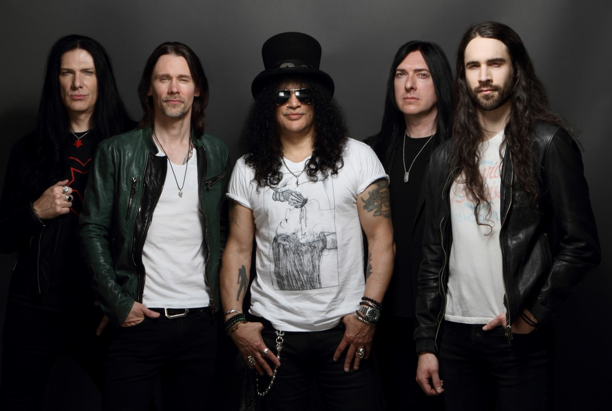 SLASH FEATURING MYLES KENNEDY AND THE CONSPIRATORS   Am 20.20.20 ...